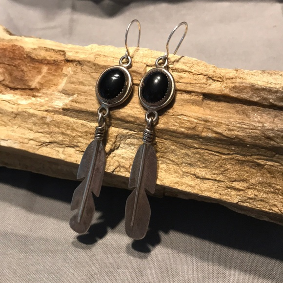 Vintage Jewelry - Native American Onyx & Sterling Feather Earrings